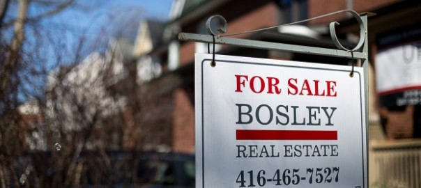 toronto-real-estate-sign