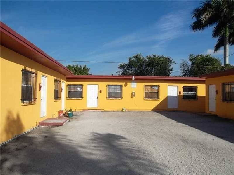 Commercial Office, for Sale in United States, Florida, Belle Glade