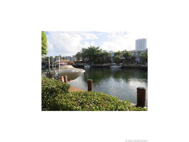 Residential Houses/Villa, for Sale in United States, Florida, Hallandale