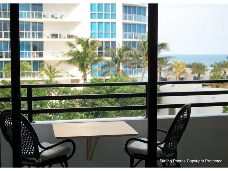 Residential Apartment/Condo, for Rent in United States, Florida, Hollywood