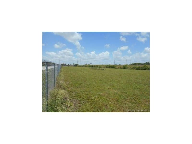 Commercial Industrial/Warehouse, for Sale in United States, Florida, Homestead
